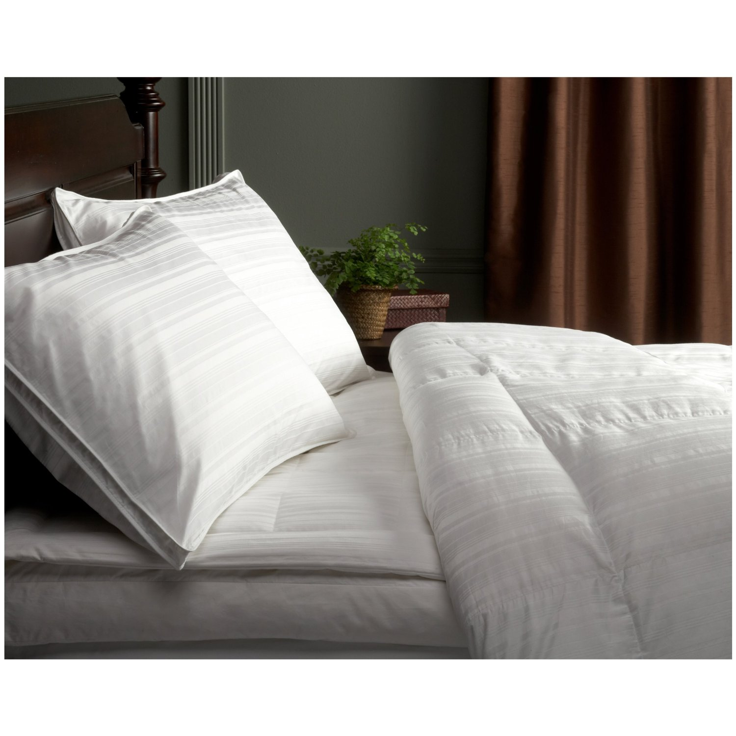 Pinzon Pyrenees White Goose Down Comforter Buyer Reviews