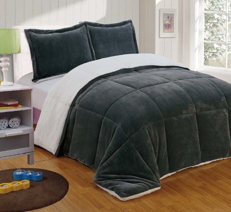 Chezmoi Collection's 3-piece Comforter Set
